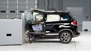 2014 Fiat 500L driver-side small overlap IIHS crash test