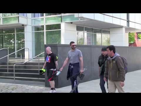 Hugh Jackman THREATENS PAPARAZZO With Sword