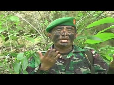 Serdadu Menggila - TNI Demam Lagu Dangdut