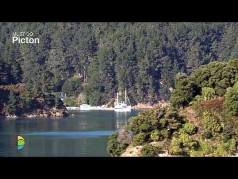 Marlborough Sounds things to see and do in Picton, cruise the Sound, walk Queen Charlotte Track