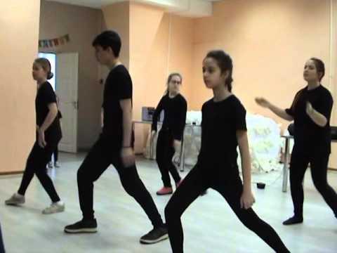 найти видео пения и танец репа процесс гравировки