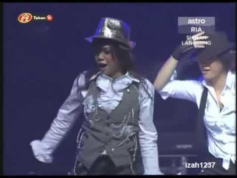 Stacy - Gagap & Pakai Buang @ Final Konsert AF7