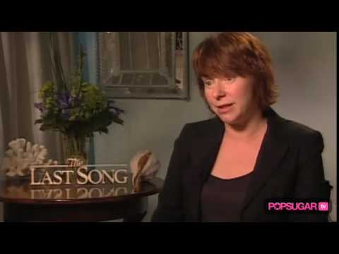 The Last Song: Julie Anne Robinson on Weather & Miley Fame Mp3