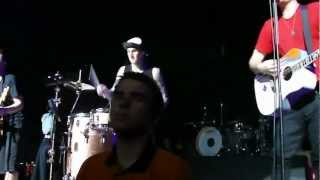 Gambar cover blink-182 - Going Away To College (Acoustic) [O2 Academy Brixton]