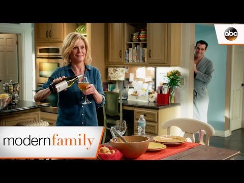 Phil's Surprise - Modern Family 8x21