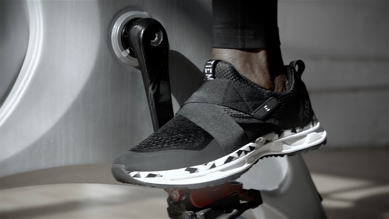 Slipstream Cycling Shoe: Form on Top