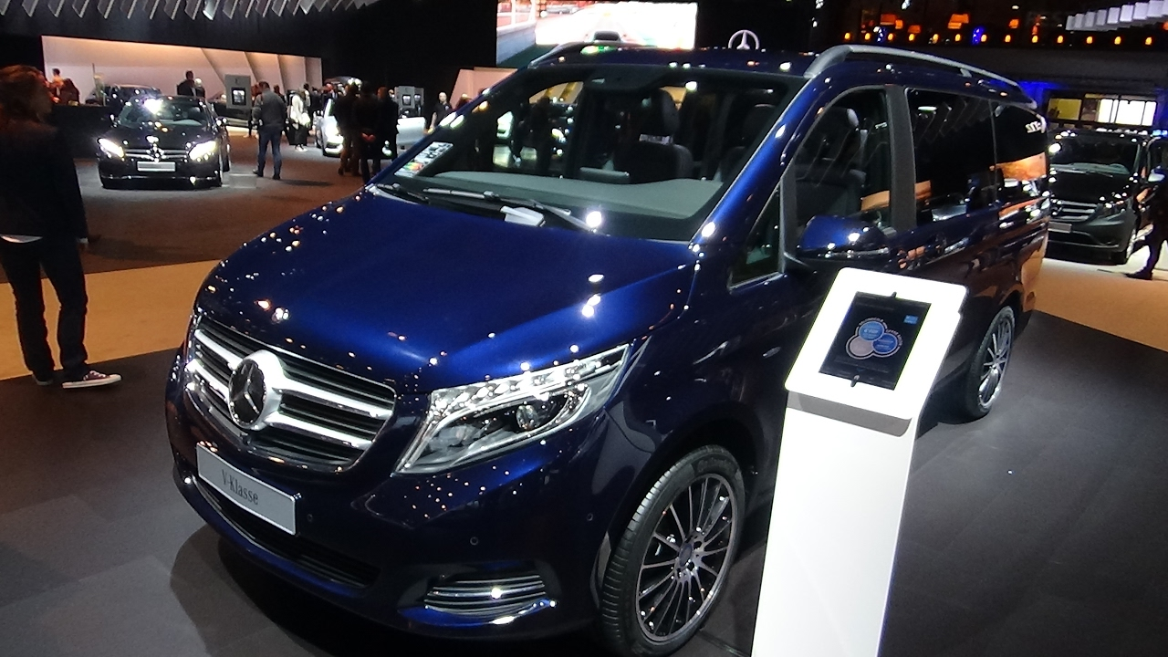 2017 mercedes benz v class exterior and interior auto show brussels 2017 youtube. Black Bedroom Furniture Sets. Home Design Ideas