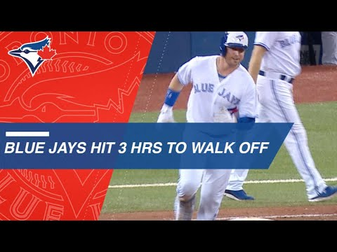 Blue Jays walk off with 7 runs in 9th