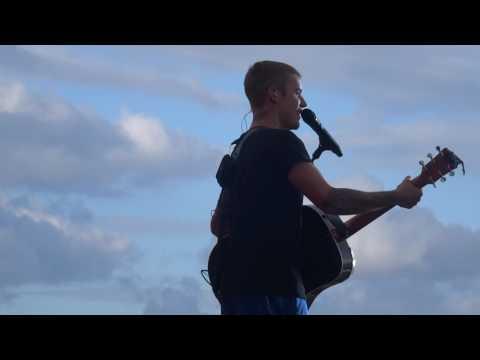Justin Bieber - Fast car (live @ Aarhus, Denmark)