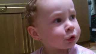 Я жадина!(Маленькая девочка Маша настойчиво утверждает что она жадина!, 2012-10-15T08:23:56.000Z)