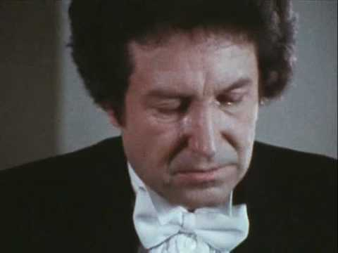 Mikhail Voskresensky plays Chopin Scherzo no. 1 - video 1982