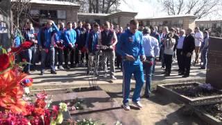 Хоккеисты поклялись на могиле Валерия Харламова перед чемпионатом мира