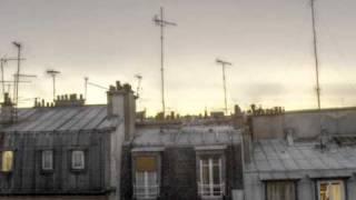 Edith Piaf - Un Refrain Courait dans la Rue -1946