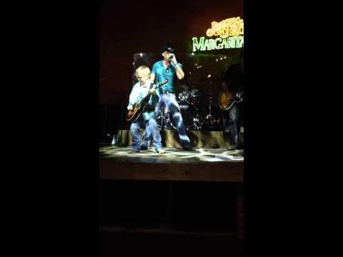 Drake Dixon playing with Ryan Weaver at Margaritaville in Nashville