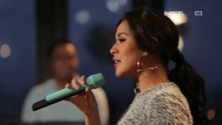 Video Raisa - Kali Kedua (Live at Music Everywhere) download MP3, 3GP, MP4, WEBM, AVI, FLV Mei 2018