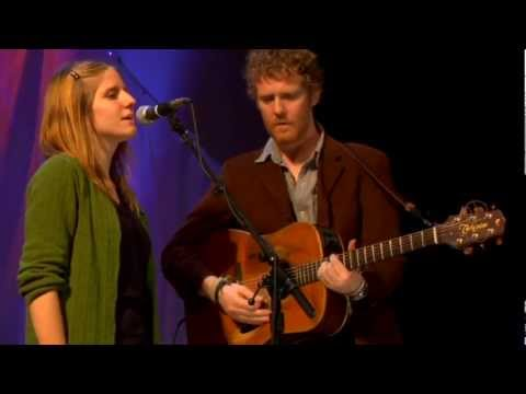 Glen Hansard and Markéta Irglová All the Way Down-live at 'the artists den'