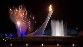 Зажжение олимпийского огня на открытии олимпиады в Сочи