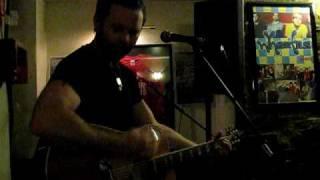 Ewan MacFarlane - Pretty Little Thing - Live in Greyfriars