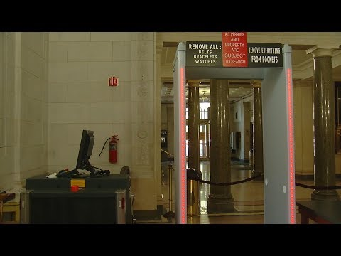 Metal detectors lead to long lines at Walnut Hills High School