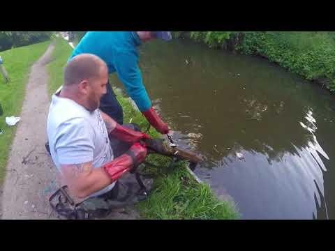 Goz  and Jim uk magnet fishing - big item found!