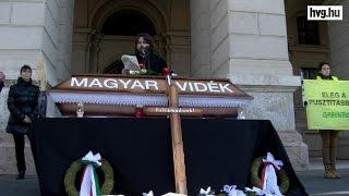 Eltemették a magyar vidéket