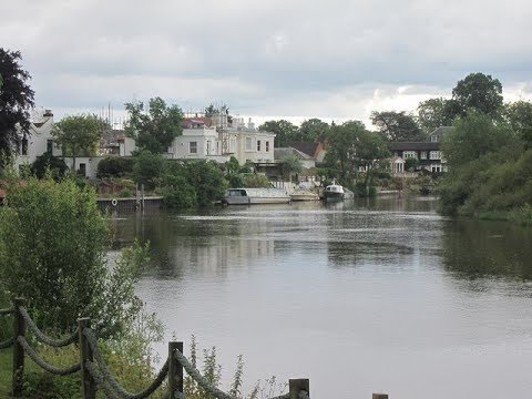 Places to see in ( Shepperton - UK )