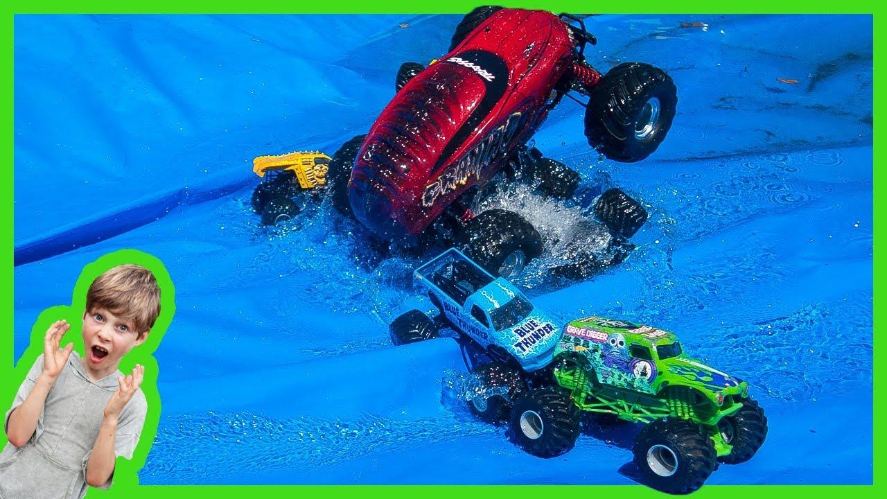 Rc Monster Truck Crashing Toy Monster Trucks Youtube