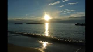 いすぽんウクレレ 【 Ua Ola Ae Nei Loko l ko Aloha 】 『 あなたを愛...