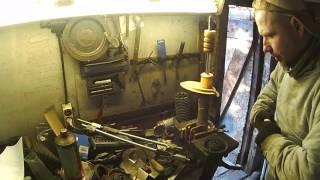 Разборка и сборка передней стойки амортизатора Citroen C4