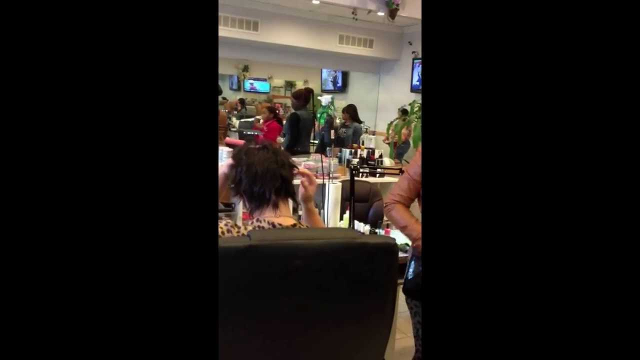 Fight in the nail shop!! - YouTube