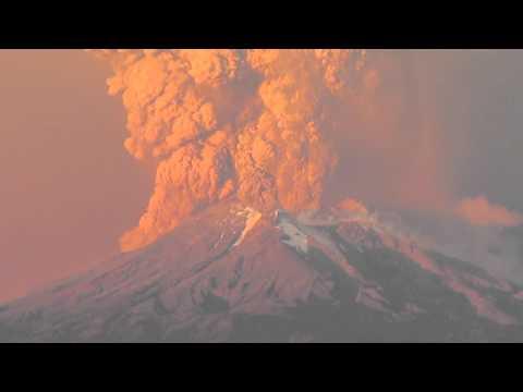 Calbuco volcano eruption 2015, another shot
