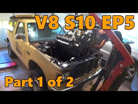 V8 S10 Chevy 350 Engine Teardown (Ep.5, Part 1 of 2)