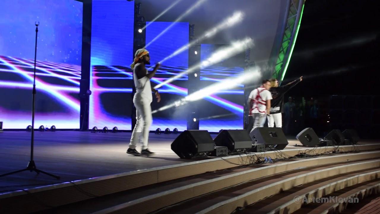 Quest Pistols Show - Непохожие (Live в Павлодаре) - YouTube