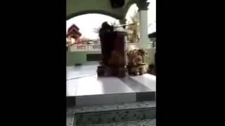 وفاة داعية إسلامية أثناء قراءتها أمام حشد من النساء في جلسة دينية بدولة ماليزيا