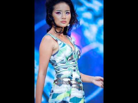 Long Leg Festival Venus Vietnam Fashion