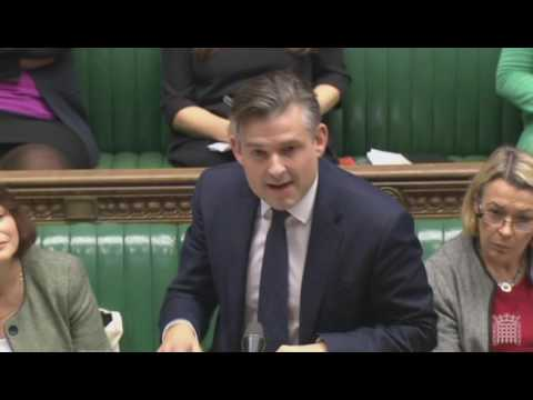 Speaker John Bercow admonishes Jeremy Hunt for 'dilating' on Labour policy