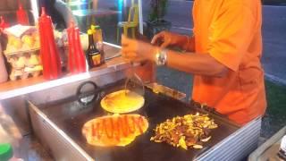 Din Burger (Roti burger bersaiz besar)