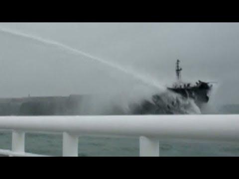 Crews fear massive explosion on burning Iranian oil tanker near China Reup