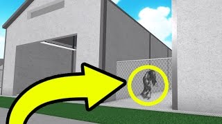 THE GHOST GIVES ME INFORMATION ABOUT JOHN DOE!! | Roblox Prison Life