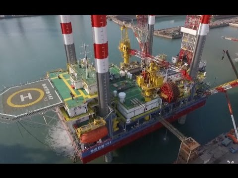 China's First Pilot Mobile Offshore Oil Platform Delivered