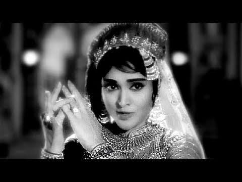 Hum Pyar Ka Sauda Karte Hain - Vyjayantimala, Lata Mangeshkar, Zindagi Song