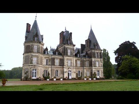 Anjou : en toute saison, ils mènent la vie de château