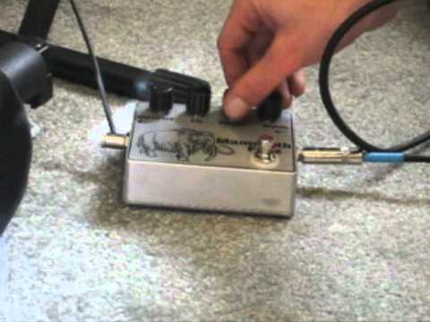 diy guitar effects pedal demo mammoth fuzz w bass youtube. Black Bedroom Furniture Sets. Home Design Ideas
