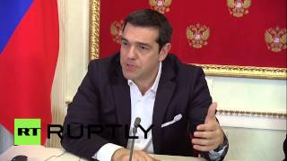Russia: Tsipras warns of new Cold War, opposes sanctions on Russia