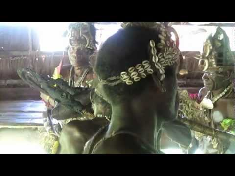 The Tribal Music & Dance of The Iatmul Tribe Of Papua New Guinea! The Duke Of Fremont Street