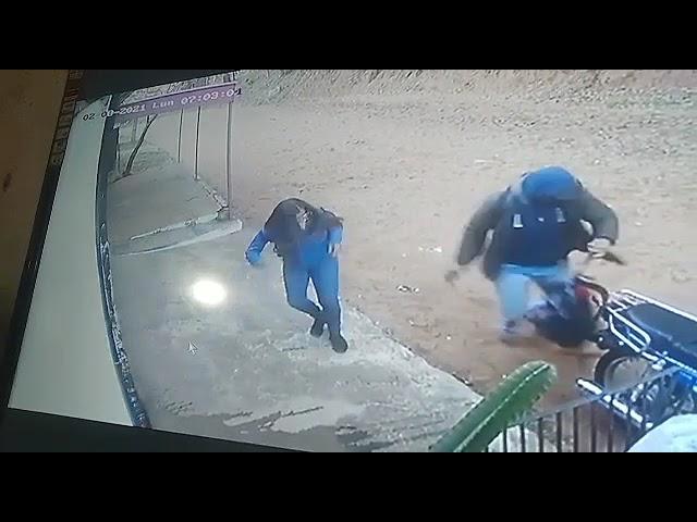 [VIDEO] Motochorros asaltan a una estudiante en Luque