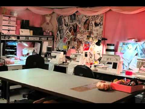 Diy sewing room decor ideas youtube - Small space sewing area style ...