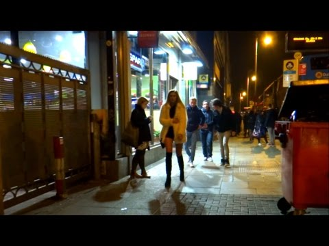 Dublin @ night on Valentine's Day. Walking as a man for 1.5hrs. Temple Bar, Grafton, O'Connell St.
