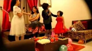 بنات سعوديات يسون كليب عن نشيد حلوه الدنيا رهيب لا يفوتكم 2012