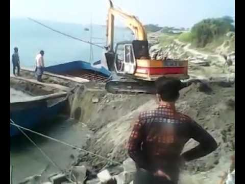Crane & boat  accident